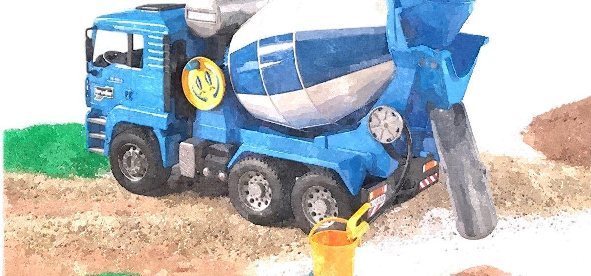 Почему бетономешалка на грузовике постоянно крутится и когда водителям стоит ее опасаться