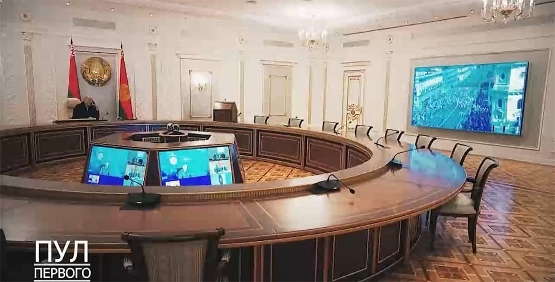 Лукашенко в пусто зале