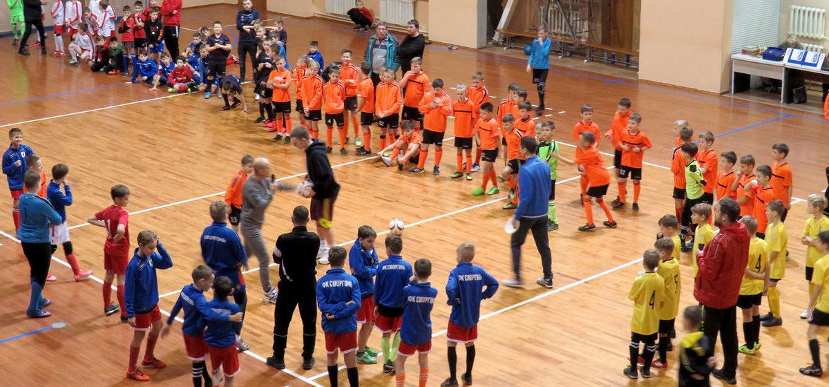 Третий раз подряд первые. «Барановичи-2010» выступили на ежегодном турнире по мини-футболу