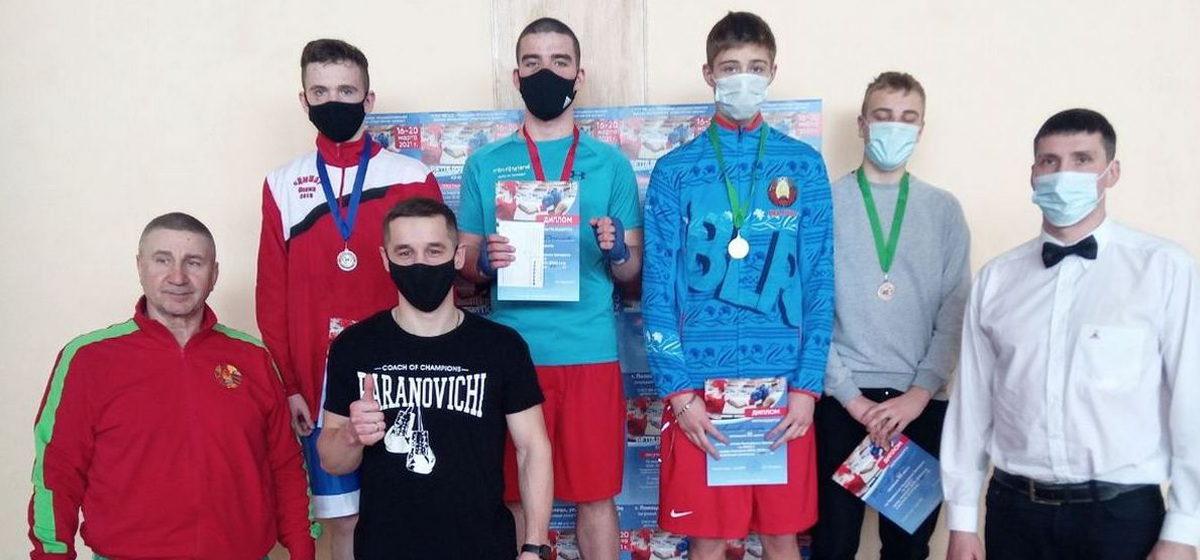 Сколько медалей завоевали юные боксеры из Барановичей на первенстве страны?