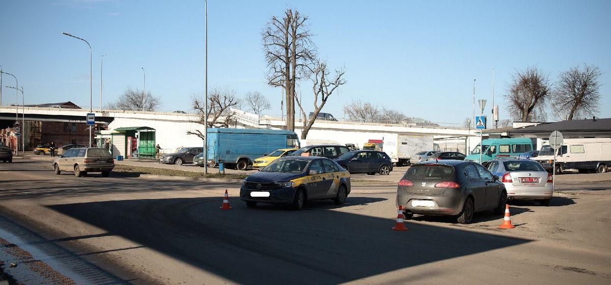 Такси и Seat не разъехались в Барановичах