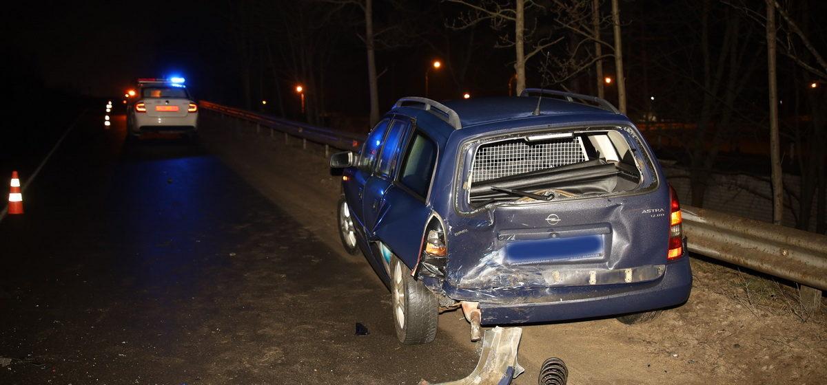 Два автомобиля Opel столкнулись в Барановичах