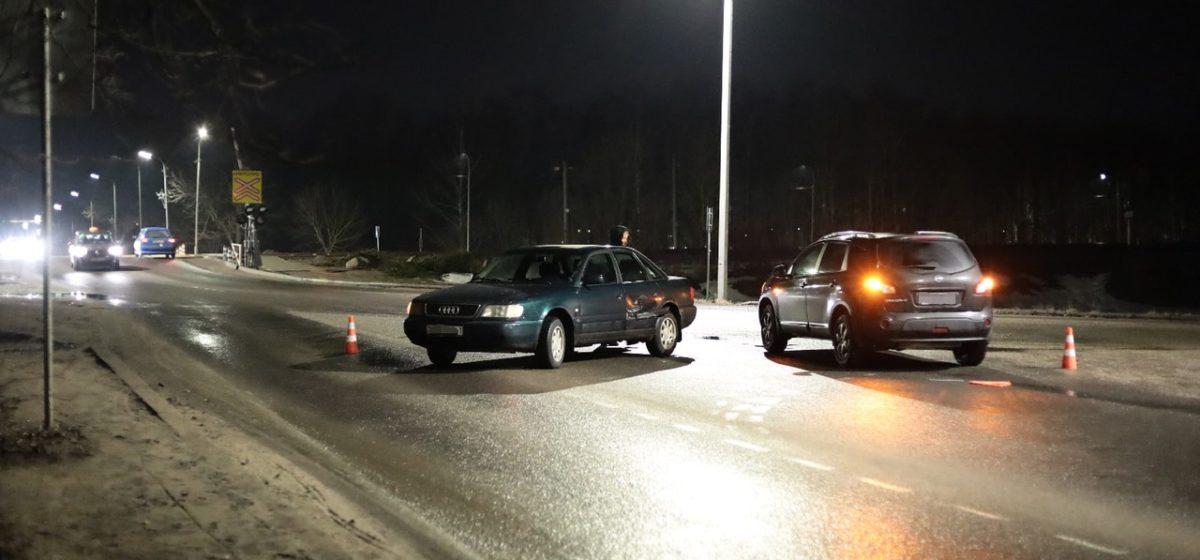 Два автомобиля не разъехались на перекрестке в Барановичах