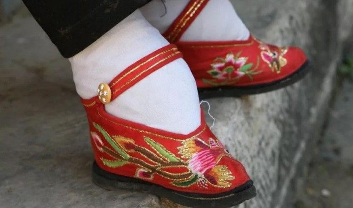 «Лотосовые» ноги китаянок.