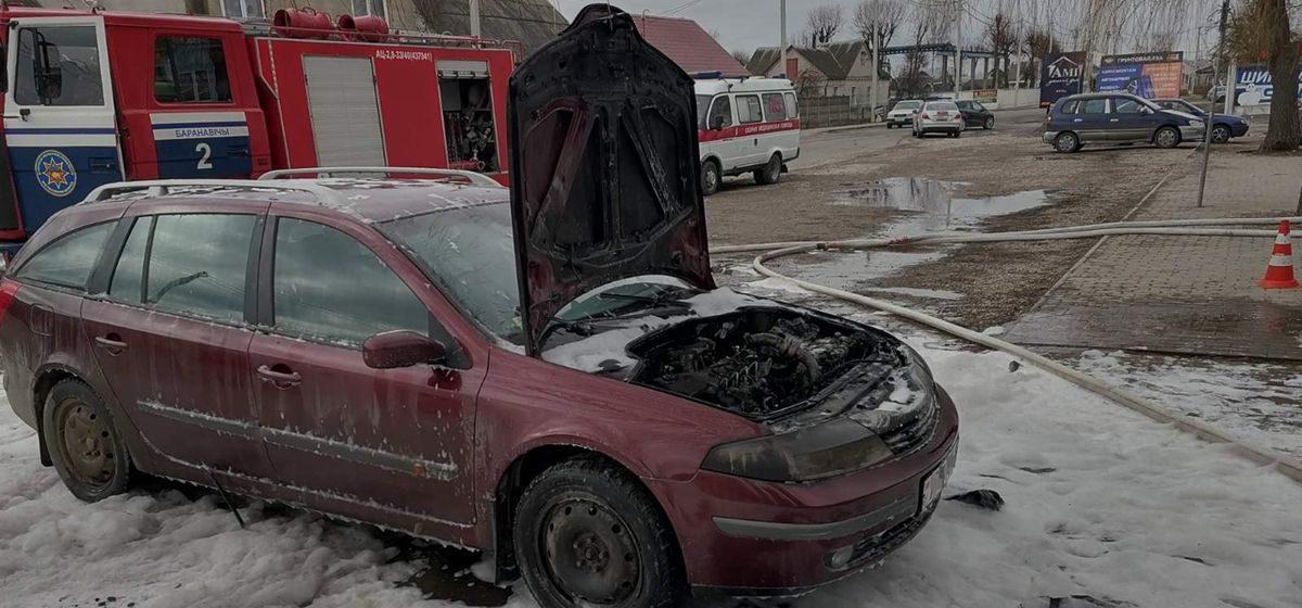 Автомобиль Renault горел в Барановичах