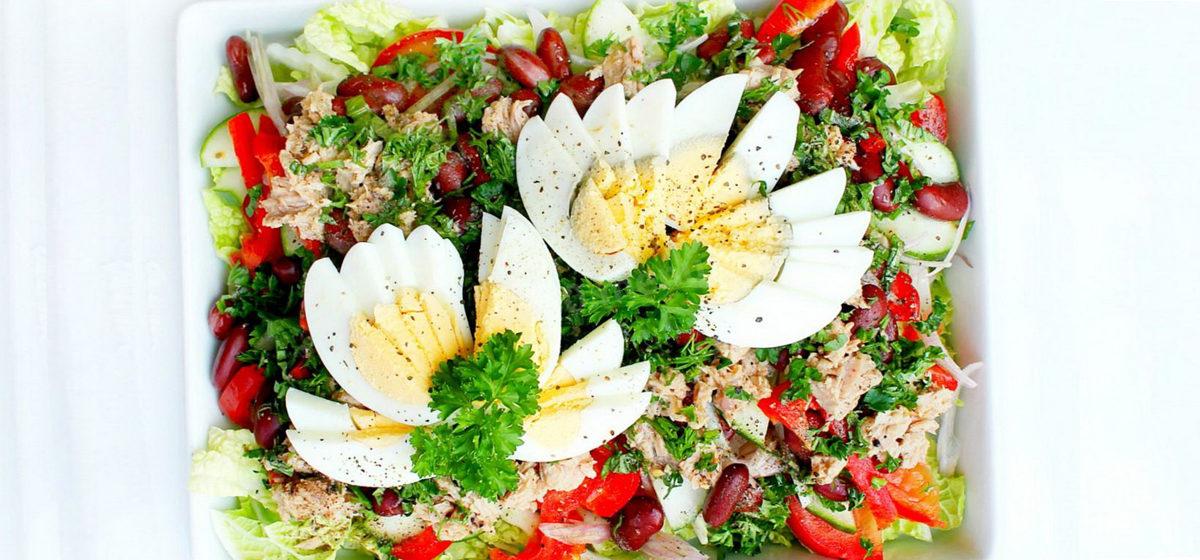 Вкусно и просто. Салат с консервированным тунцом и пекинской капустой