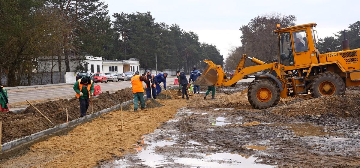 Как проходит ремонт улицы Фроленкова в Барановичах, который должен был завершиться еще год назад. Фоторепортаж