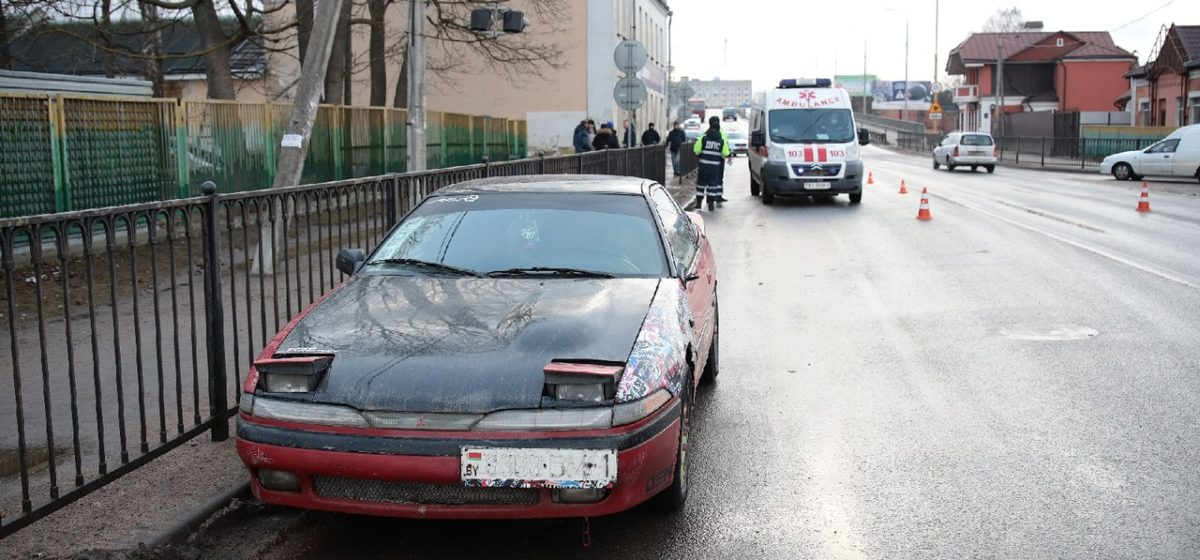 В Барановичах автомобиль сбил женщину