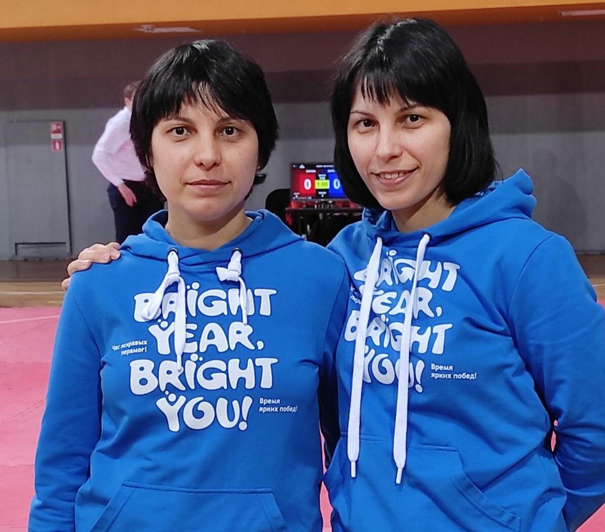 Наида и Аида Оразаевы. Фото: архив Аиды ОРАЗАЕВОЙ