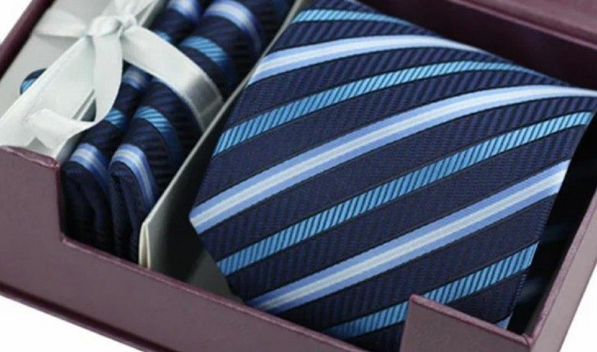 В подарок англичанину лучше приобретать более нейтральный галстук.