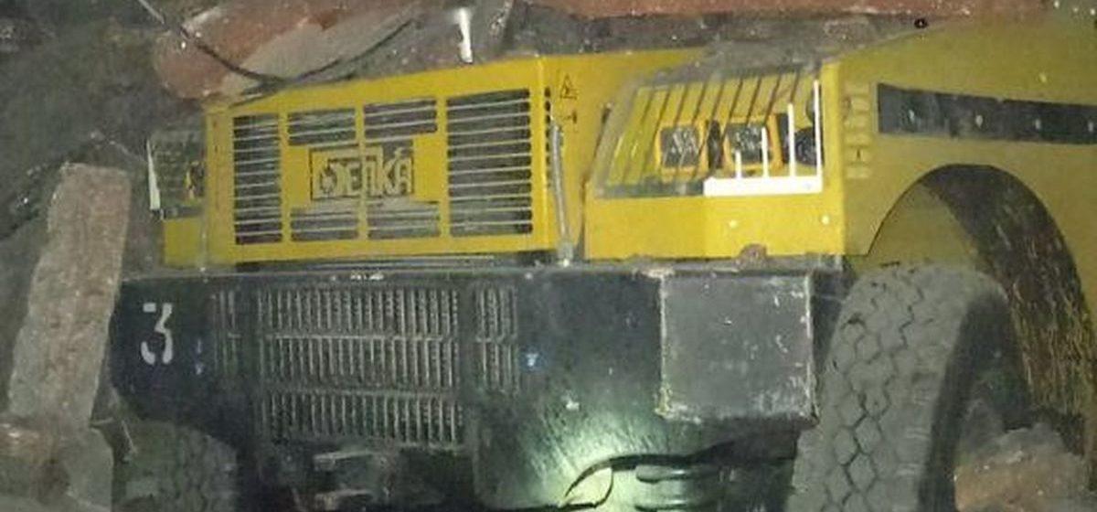 В шахте «Беларуськалия» 125 тонн породы рухнуло на машину для перевозки персонала