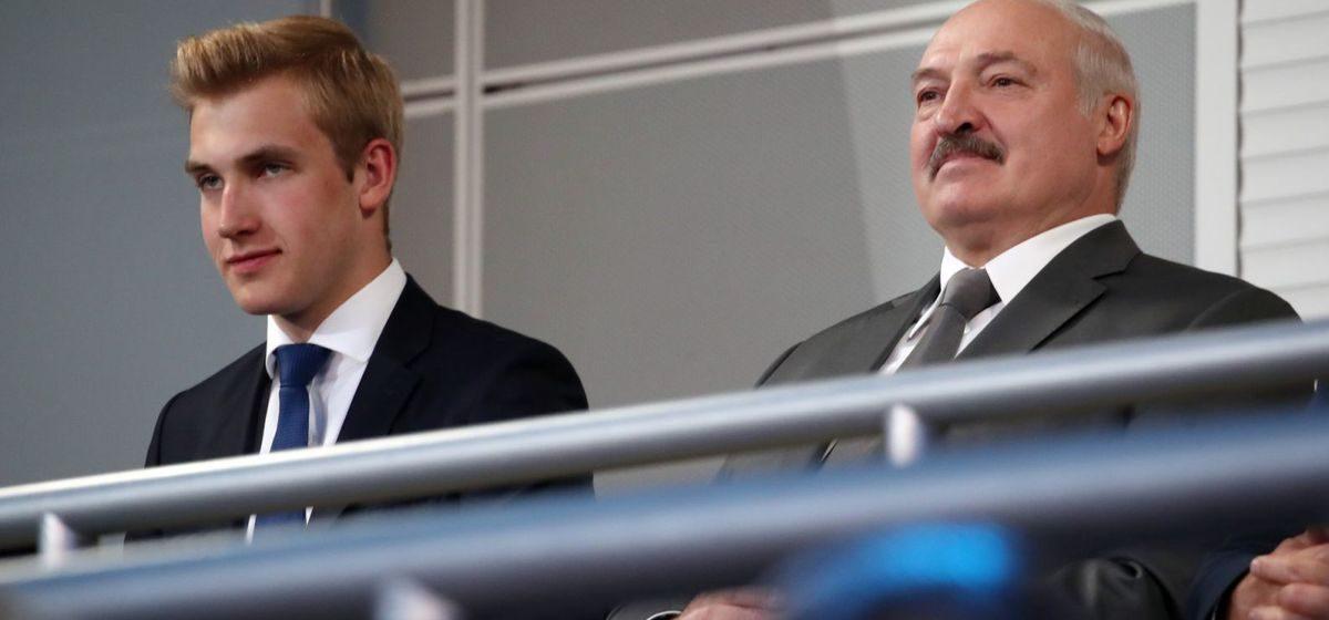 Аналитик: что бы ни говорил Лукашенко, он может передать власть только своему сыну