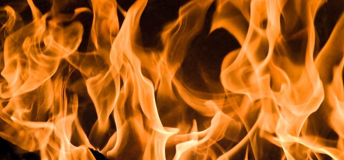 Мужчину спасли на пожаре в Барановичах