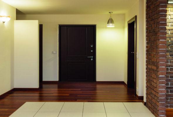Входные двери должны быть надежными и качественными