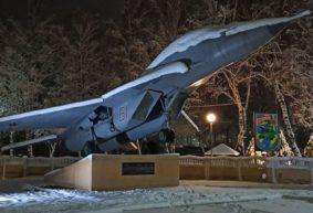 Еще один самолет установят в Барановичах