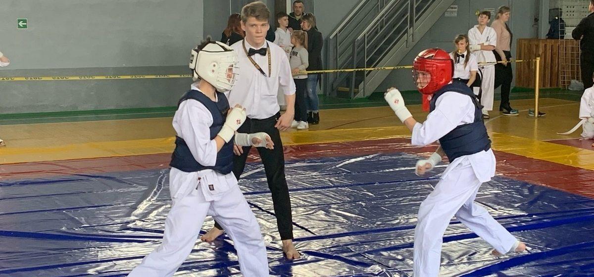 Сколько наград завоевали юные каратисты из Барановичей на первенстве Школы мужества