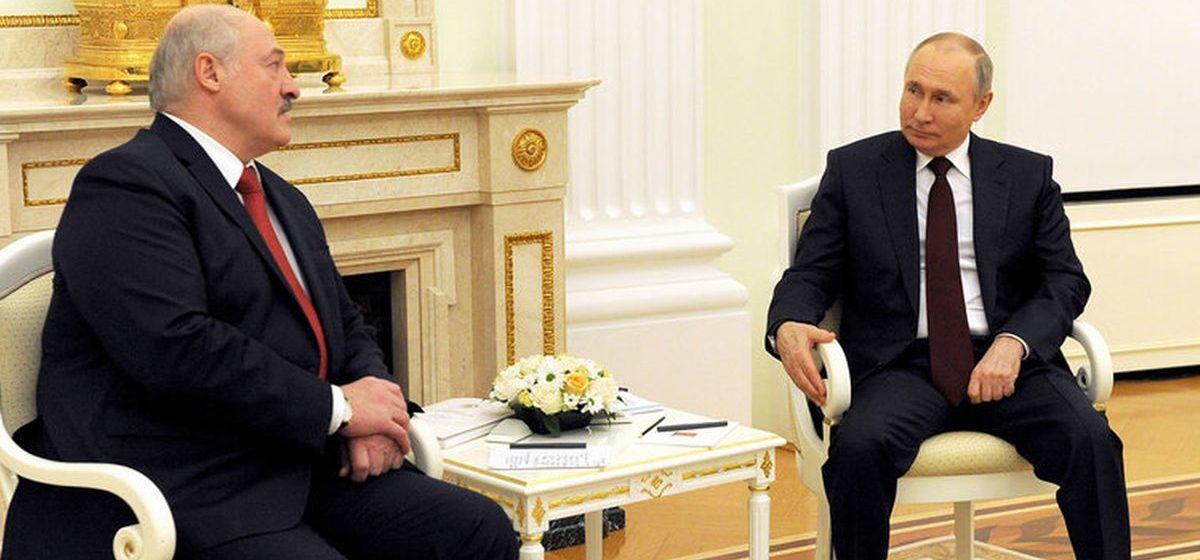 «Отказался от нейтральной линии и перешел на сторону России». Эксперты – об итогах встречи Путина и Лукашенко