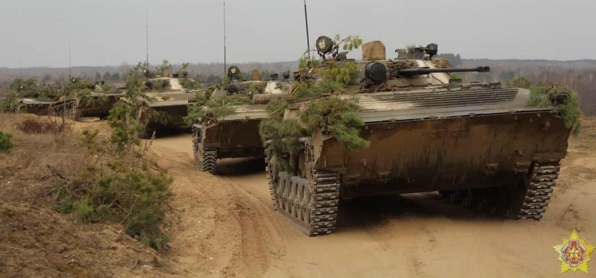 Военные учения проходят на полигоне под Барановичами. Фото