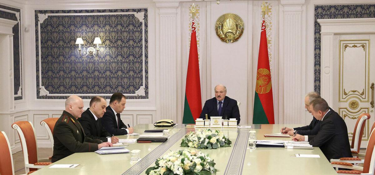 «Поддержка беглых, убежище предателям и экстремистам». Лукашенко заявил, что стало последней каплей в «отношениях с Польшей»