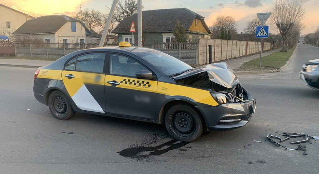 Пьяный таксист с 3,5 промилле попал в ДТП в Барановичах