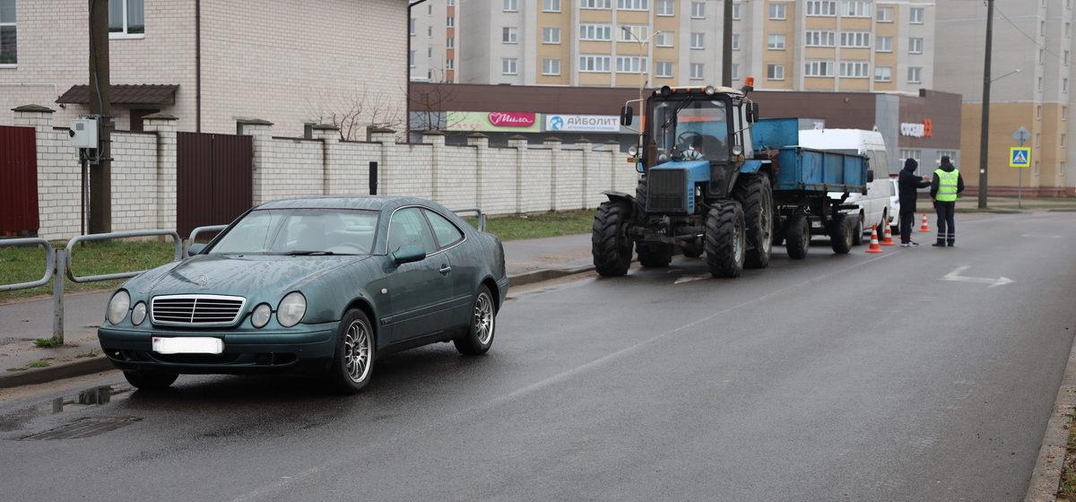 Трактор и Mercedes столкнулись в Барановичах