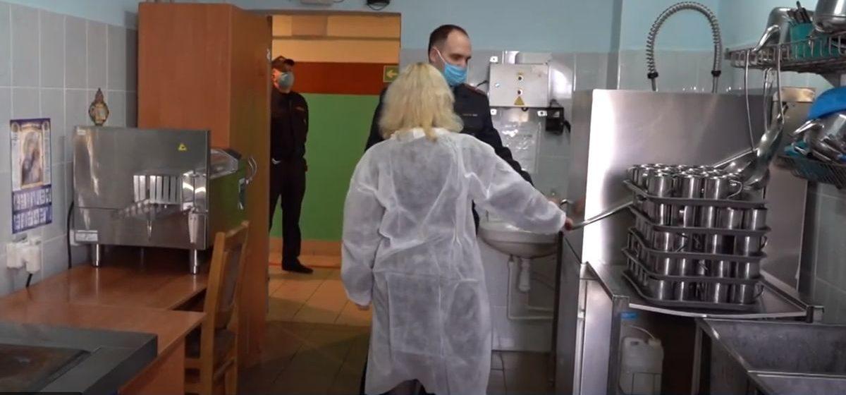МВД: Хлоркой не пытают, ее используют для профилактики коронавируса