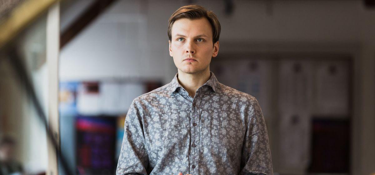 «Писал без цензуры, жестко». Интервью с автором книги о протестах в Беларуси