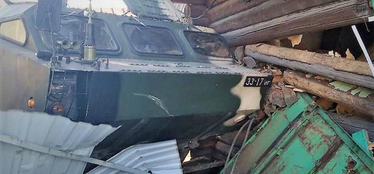 Ракетный комплекс врезался в деревенский дом в Осиповичском районе: полдома нет, хозяйка случайно уцелела