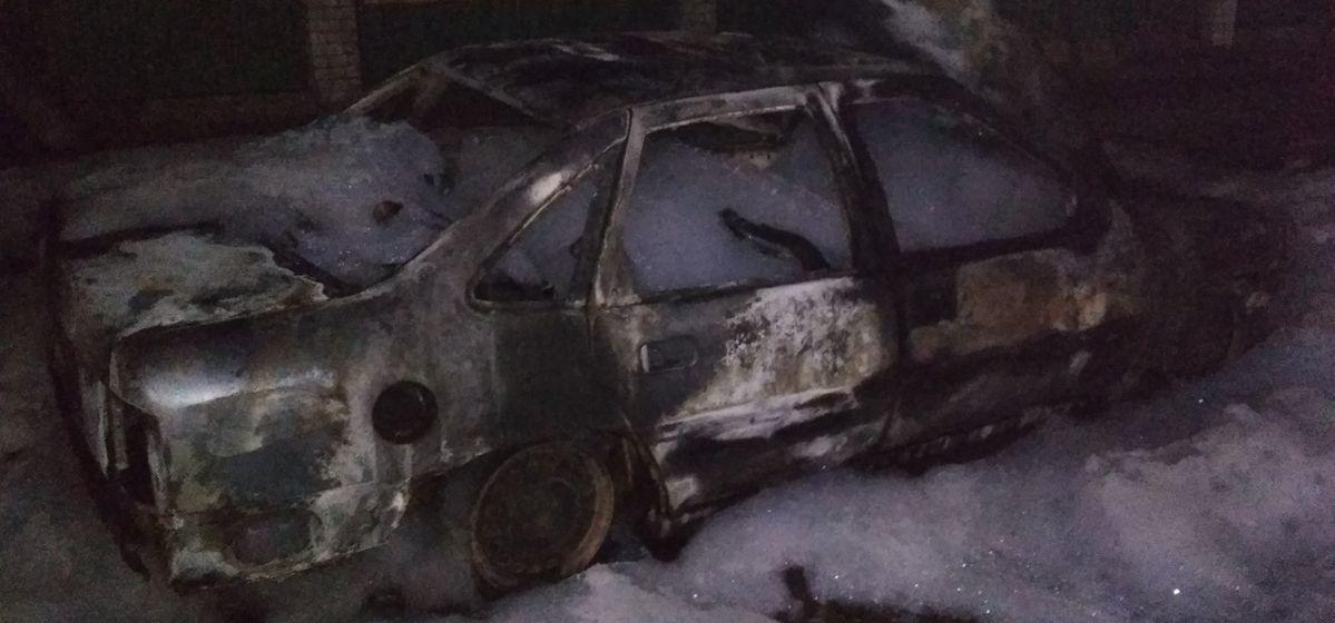 Автомобиль полностью сгорел в Барановичах