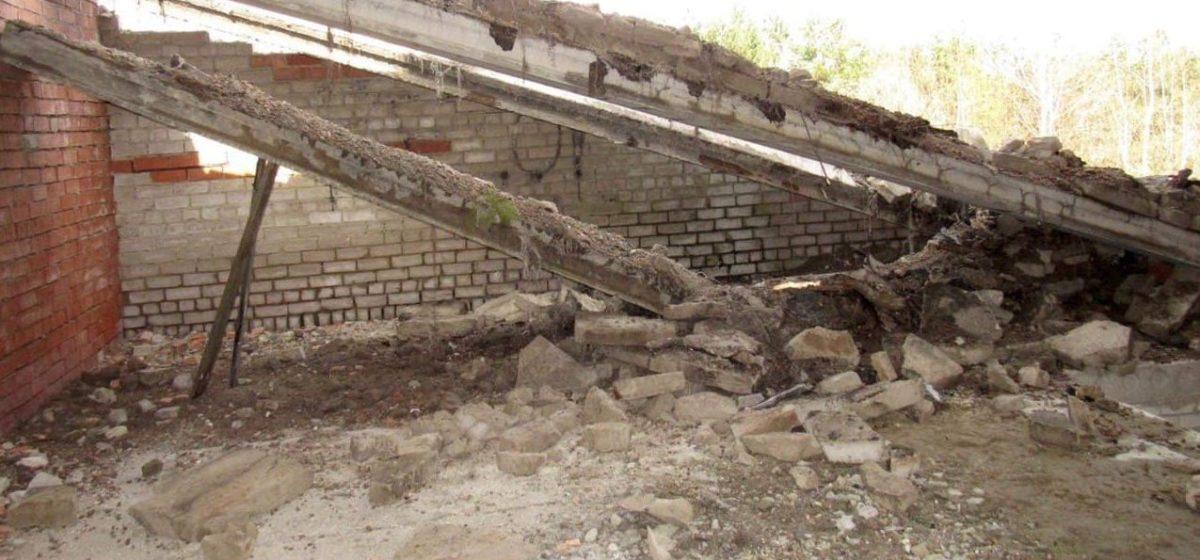 Семнадцатилетнего парня придавило плитой в Осиповичах. Фото