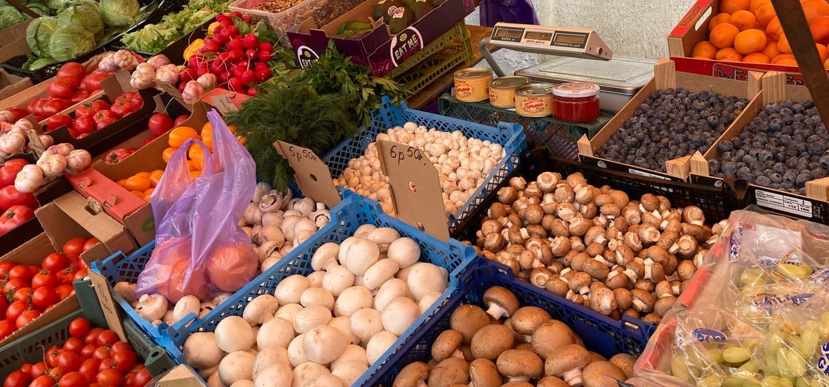 Что почем. На барановичском рынке подешевела клубника, появились арбузы и абрикосы