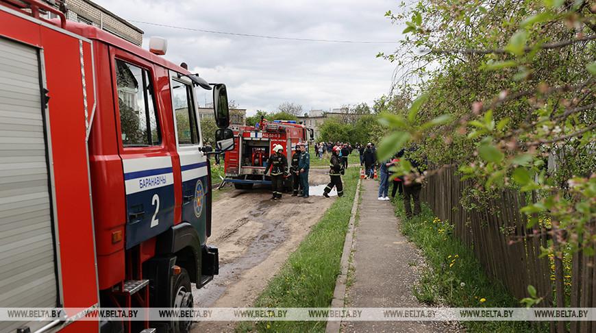 Лукашенко выразил соболезнования семьям летчиков и держит на контроле расследование крушения самолета в Барановичах