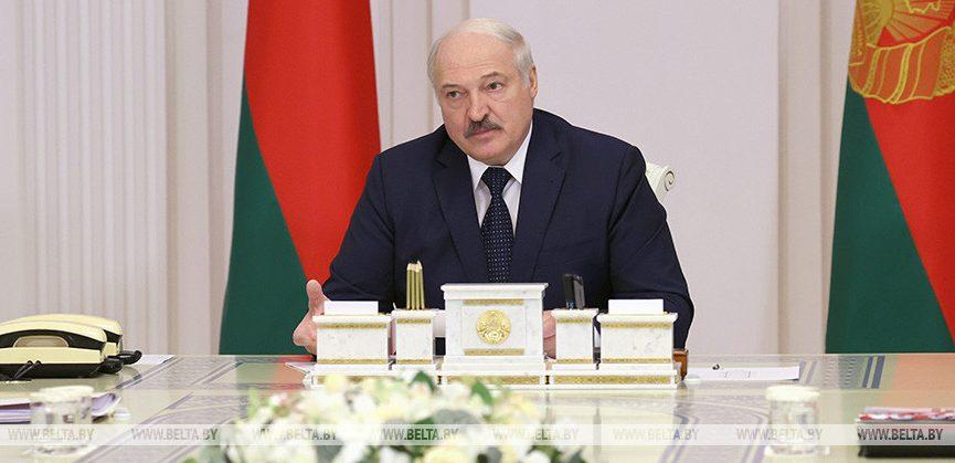 Новый госпраздник «День народного единства» утвердил Лукашенко