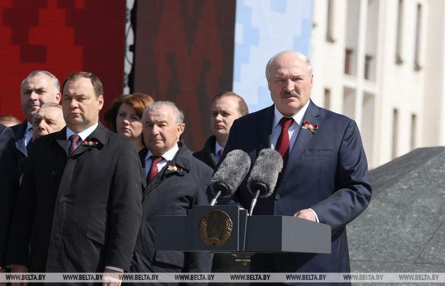 «С большой вероятностью после Лукашенко не будет преемственности». Эксперты о знаковом декрете