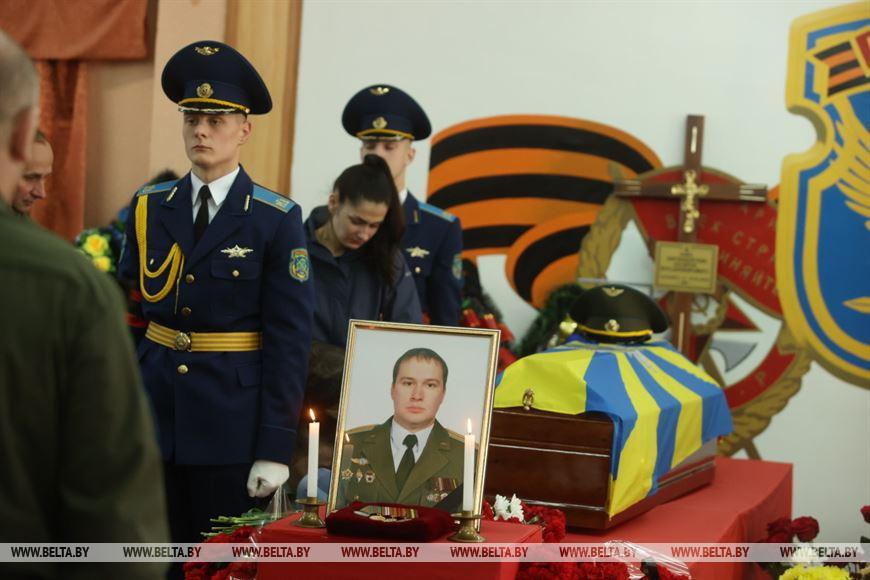 Командир звена учебно-боевой эскадрильи 116-й ШАБ майор Андрей Владимирович Ничипорчик погиб 19 мая 2021 года. Фото: БЕЛТА