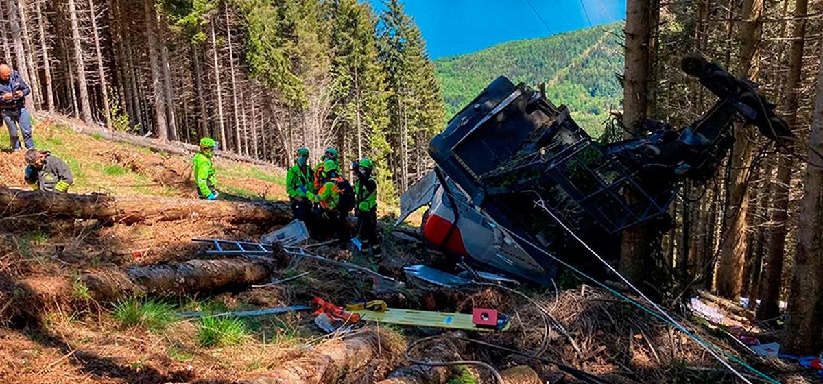 В Италии в горах упала кабина фуникулера. Есть погибшие