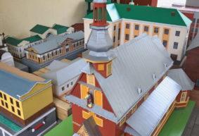 Посмотрите, как выглядят мини-макеты городских зданий Барановичей. Фотофакт