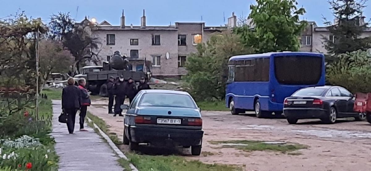 Что сейчас происходит на месте падения самолета в Барановичах