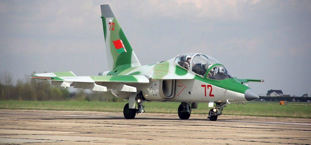«Летающая парта». Что за самолет Як-130, который разбился в Барановичах