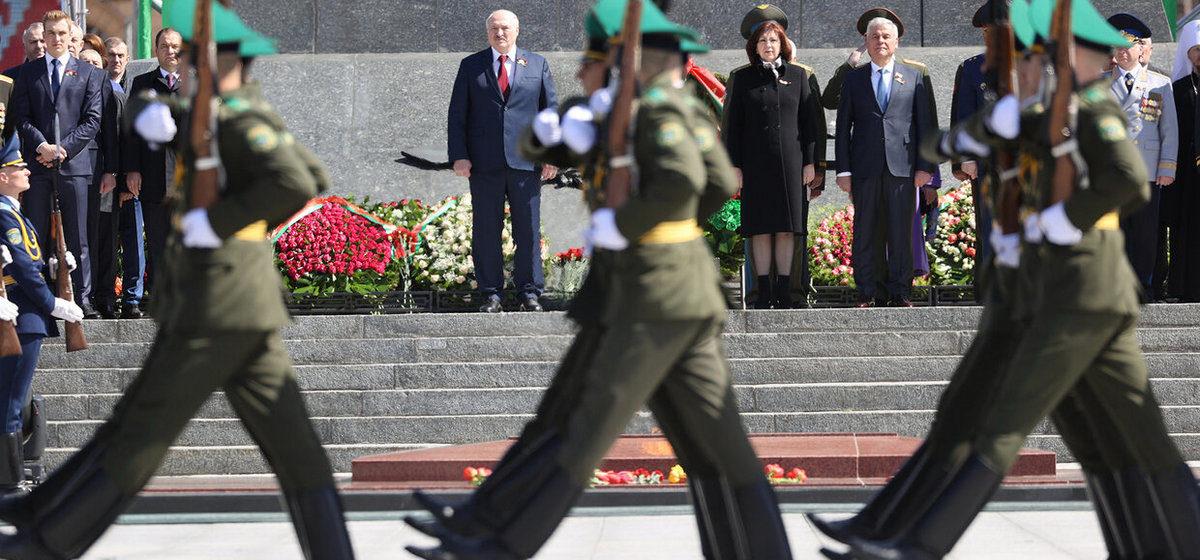 Лукашенко: «Мы несколько, откровенно говоря, перенапрягли наше общество»
