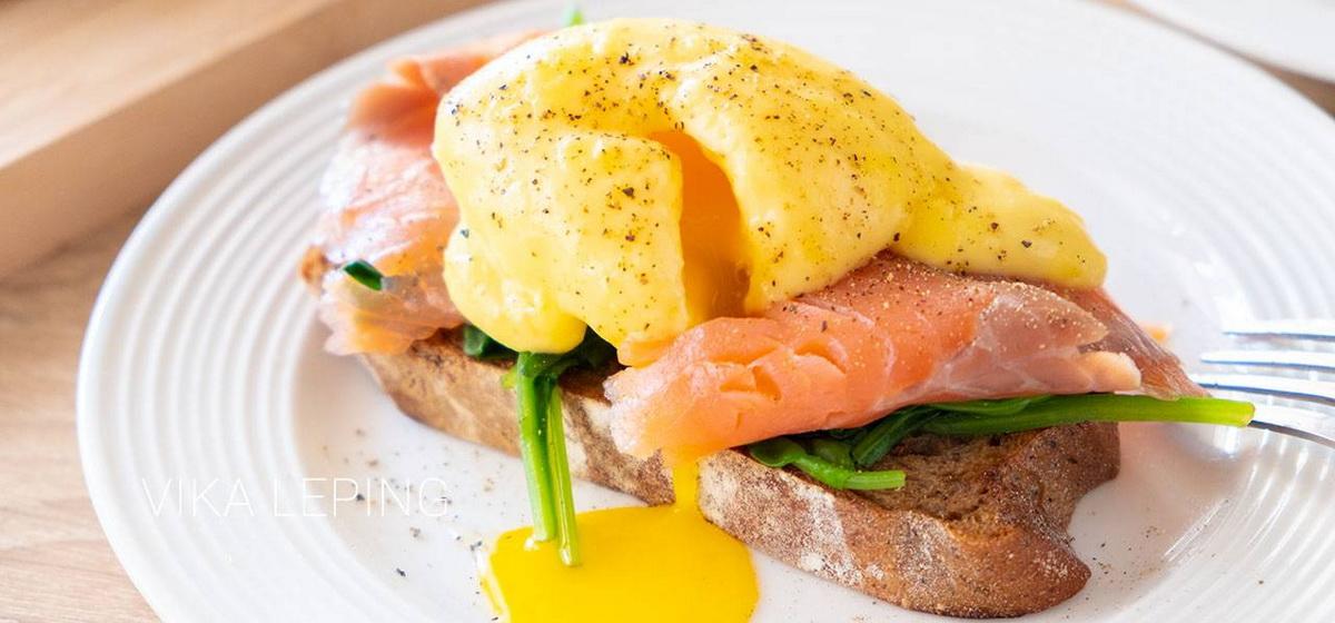 Вкусно и просто. Яйца «Бенедикт» с голландским соусом
