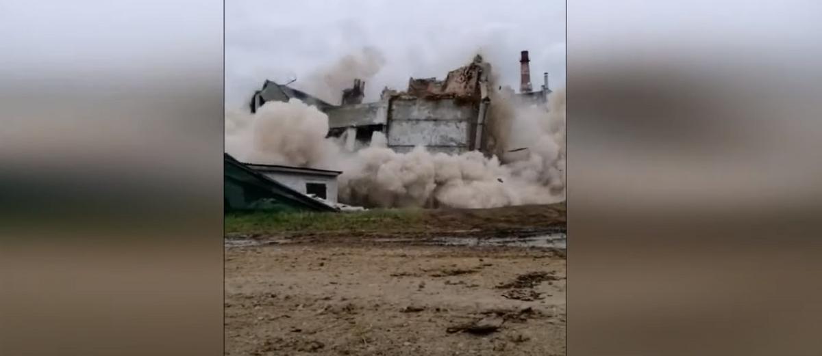 Посмотрите, как в Орше взорвали старое здание. Видеофакт