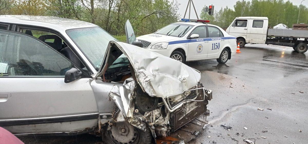 Новости. Главное за 13 мая: Пожилая женщина погибла при столкновении автобуса и Audi в Барановичах, и Марии Колесниковой предъявили окончательное обвинение
