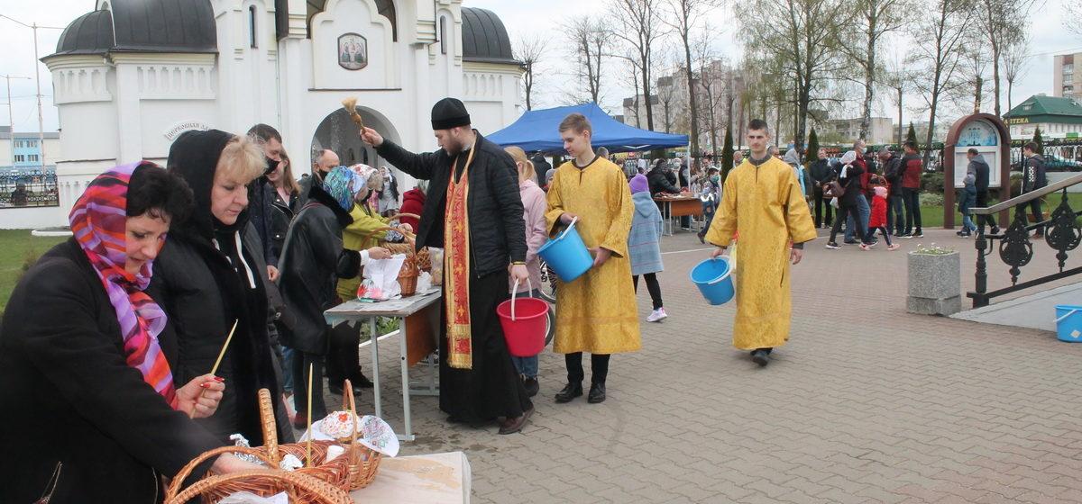 Как освящали пищу в Великую субботу в Барановичах. Фоторепортаж