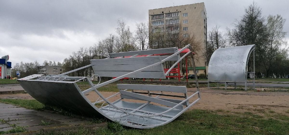 Сломанные навесы и деревья. Что натворил циклон «Даниэль» в Барановичах. Фото