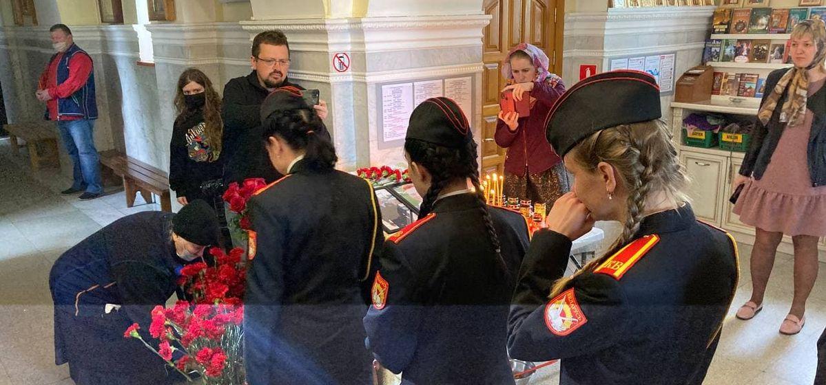 «Наше братство потеряло одного товарища». Кадеты почтили память летчиков, погибших под Барановичами