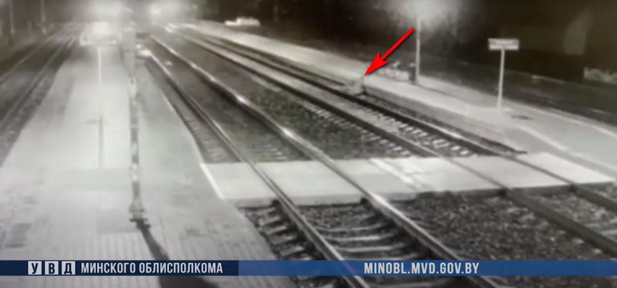 Под поезд попал житель Барановичей. Видео