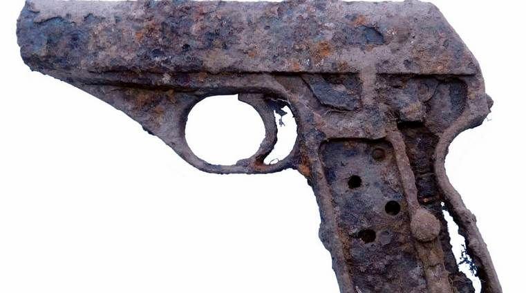 В Ляховичах нашли пистолет