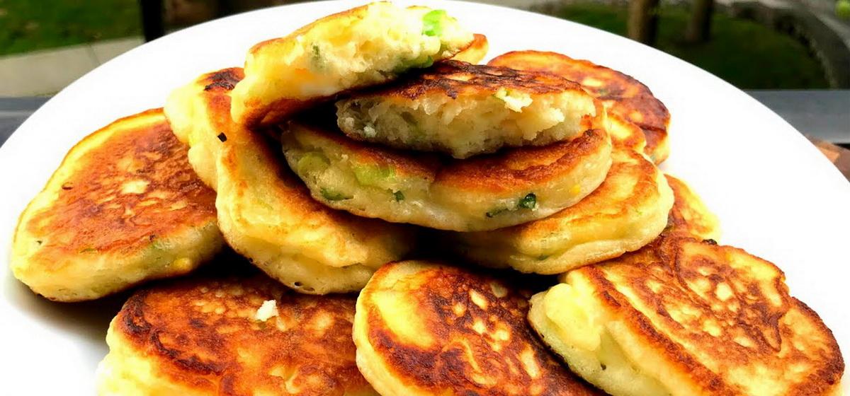 Вкусно и просто. Оладьи на кефире с сыром и зеленью