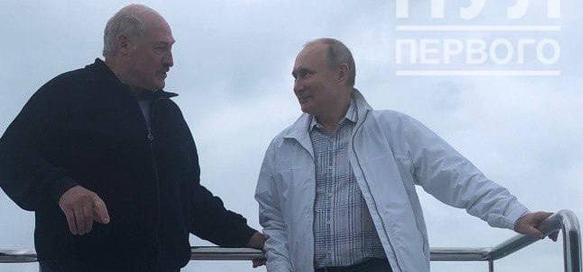 Неформальная встреча Лукашенко и Путина: катер, Коля и дельфины. Видео